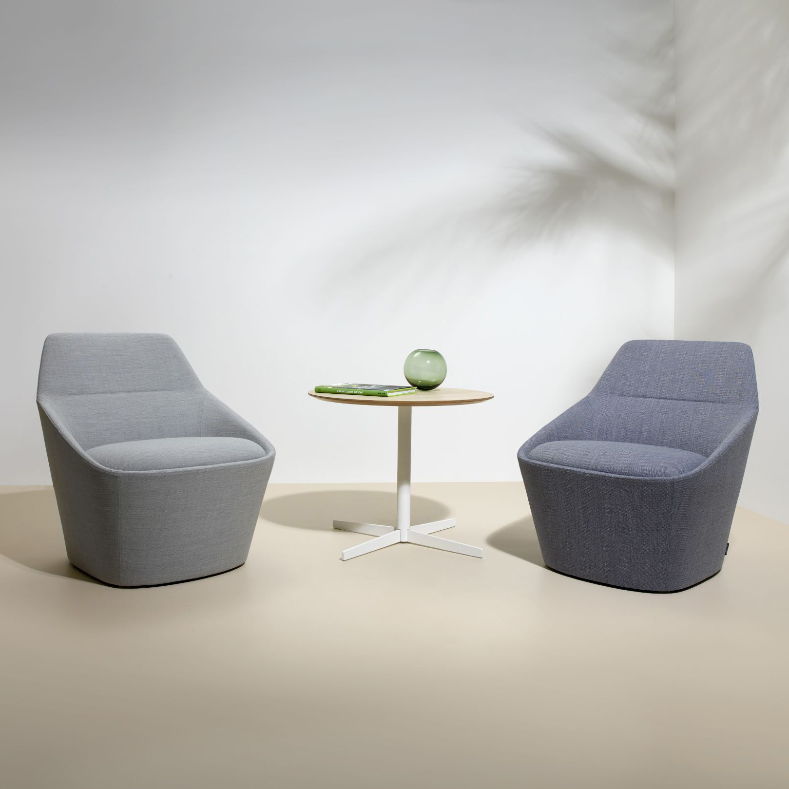 Ezy Large Easy Chair Furniture By Christophe Pillet